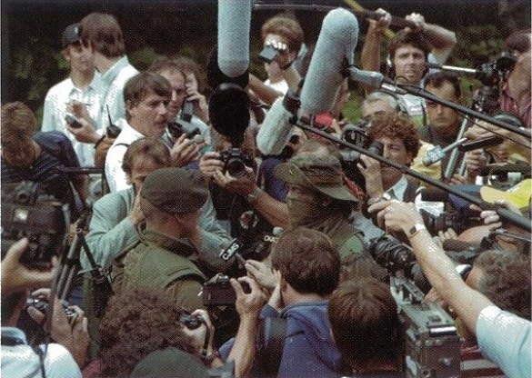 17 août 1990 Québec demande l'intervention des Forces armées canadiennes à Oka #militaire https://t.co/ye0TNuyLWG https://t.co/UMp5KVjOIx