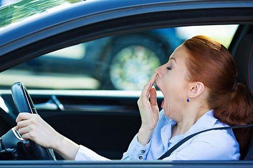 Nguy hiểm khôn lường khi ngủ trong xe ô tô