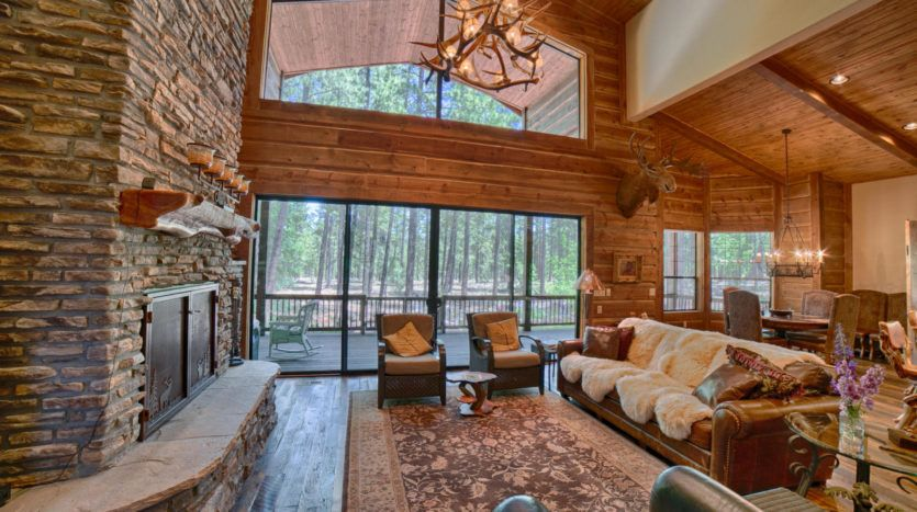 Gorgeous Log Cabin In The Mountains Beautiful Cabin Decor And