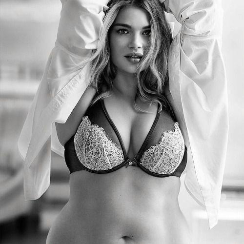 Sophie Howard BH Größe