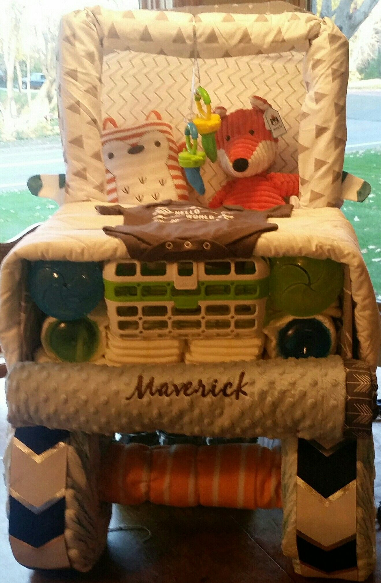 Diy diaper jeep with personalized blanket as license plate