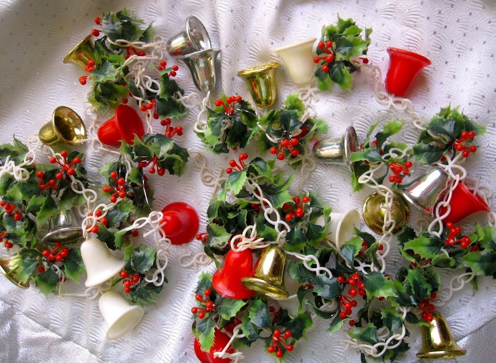 Vintage 6ft Plastic Holly Christmas Garland