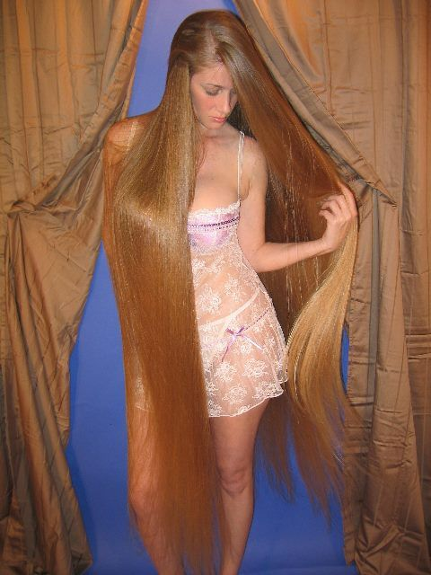 Pin von Julia Vanessa auf Long blonde hair | Long hair ...