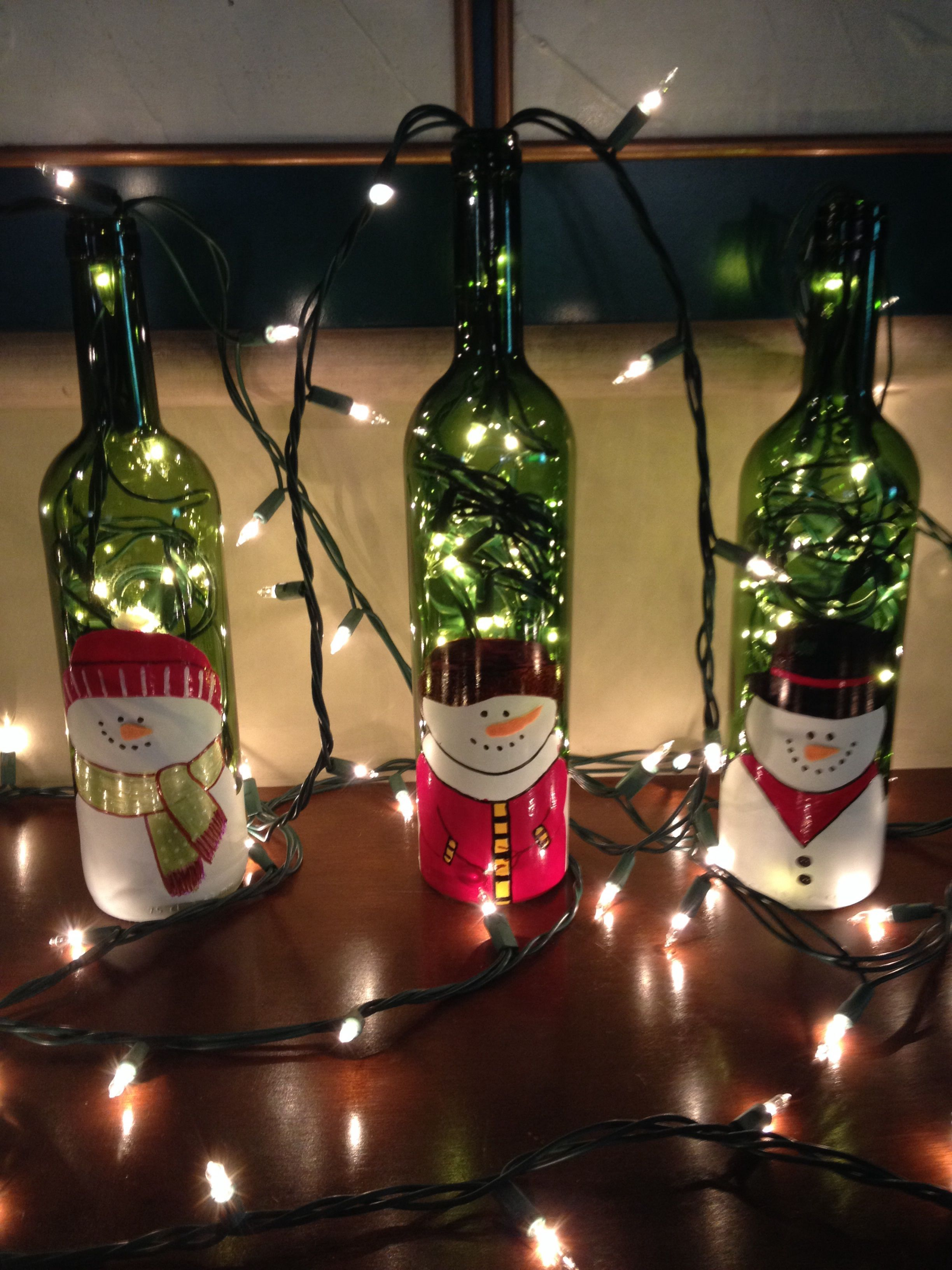 Reciclando botellas de vino para decorar christmas - Adornos navidenos con botellas ...