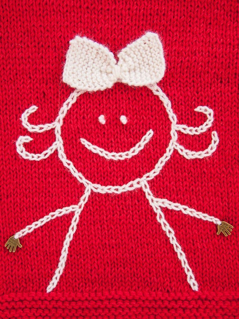 Photo of MADE TO ORDER / Hand gestrickte Baby Mädchen Pullover mit bestickten Lächeln / Merino-Wolle