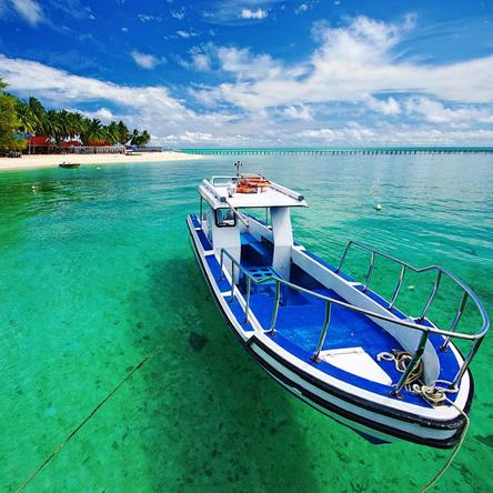 Conheça as 5 praias mais lindas da Indonésia 🌊 Acesse nosso #blog ☀ www.amomar.com .  👙| www.opendeamor.com  | 🌎 #travel  #viajar #trip   #loucosporviagem #viajarfazbem #biquini #verao #modapraia #praia #sol #o #summer #beach #mar #moda #piscina  #sun #bikini #modafeminina  #brasil #love #ferias  #like #instagood #biquinis #beachwear  #fashion #amor #bhfyp