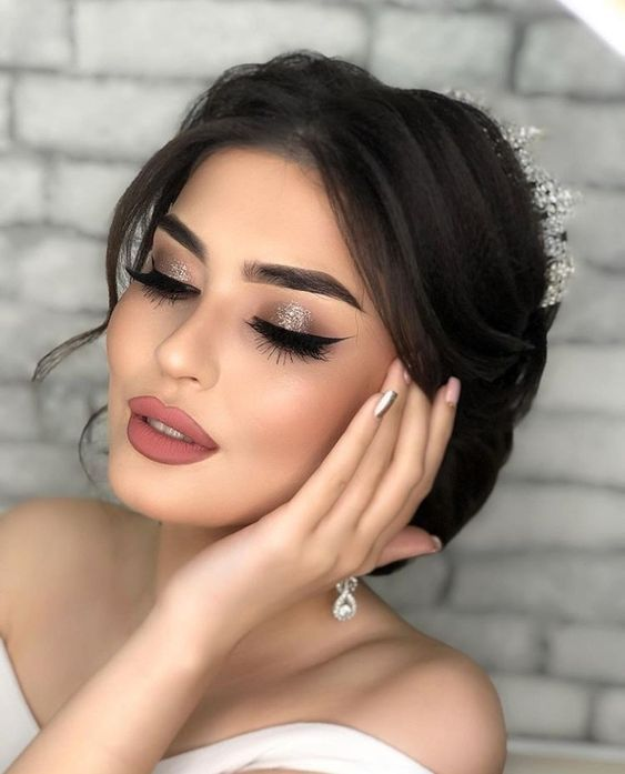 Beautiful makeup ideas for brides | Wedding makeup for brown eyes, Gla