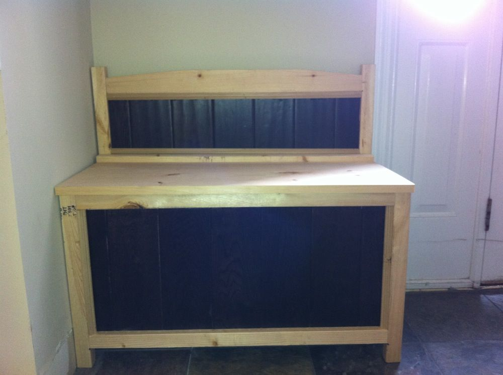 Entry bench made out of hardwood flooring scraps do it yourself entry bench made out of hardwood flooring scraps do it yourself home projects from ana solutioingenieria Images