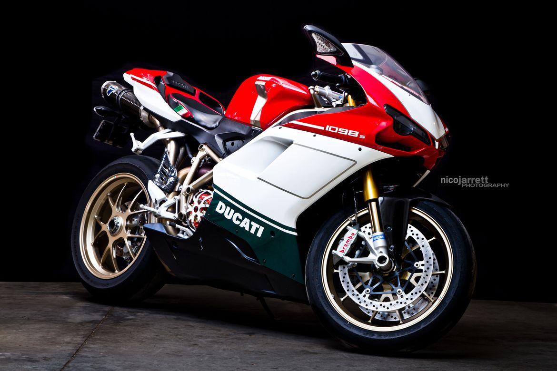 Tri-Color Ducati 1098s