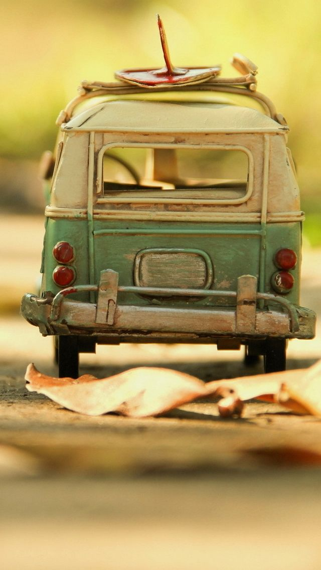 Vintage Volkswagen Toy Iphone 5 Wallpaper By Leonid Afremov