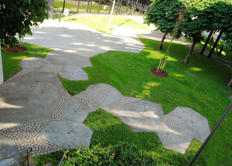 Architectural Paving Pattern Ku Science Find More Inspiration At Www Shapedscape Com Your New Landscape Architec Landschaftsarchitektur Architektur Bilder