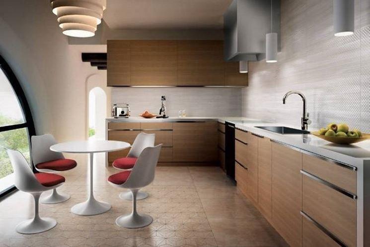 Simple beautiful cucina con piastrelle ideas home interior for Piastrelle per cucina vintage
