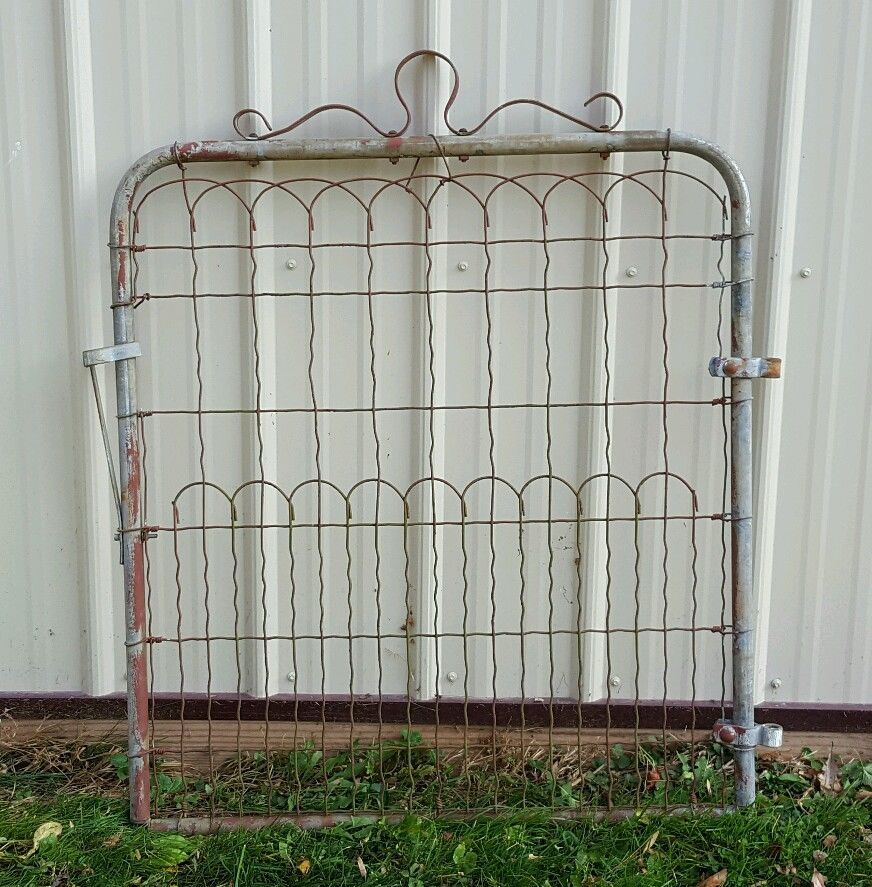 Vintage Antique Woven Wire Cottage Style Garden Yard Art Fence Gate 4 Yard Art Cottage Style Fence Gate