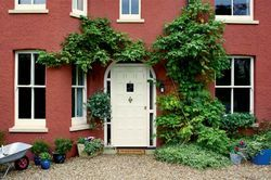 Gorgeous Red House Exterior Walls Brick Smooth Masonry By Weathershield Door Window Trim Cream Tea Satin