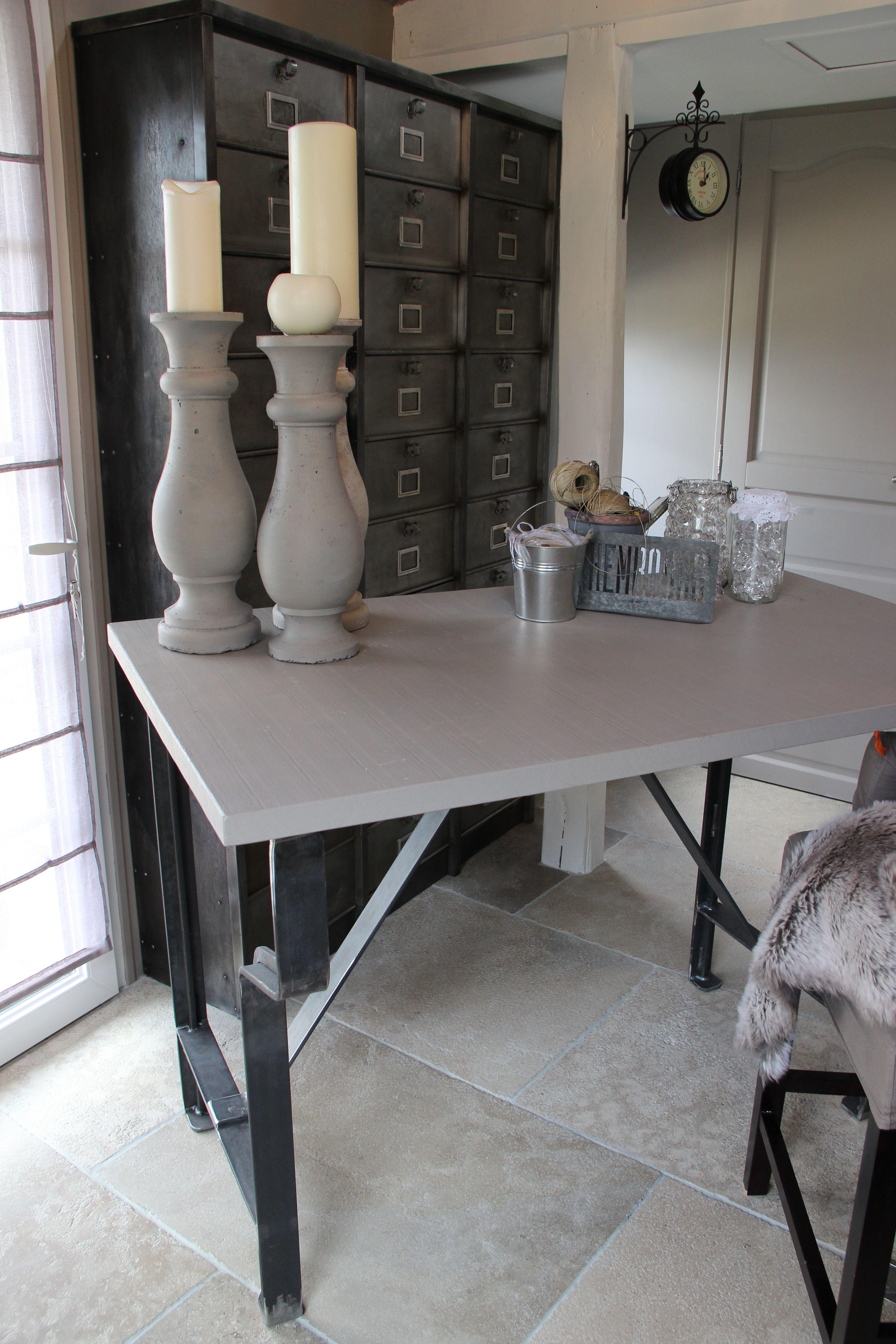 etabli ou bureau en m tal et bois magali benhard du c t de l 39 atelier. Black Bedroom Furniture Sets. Home Design Ideas