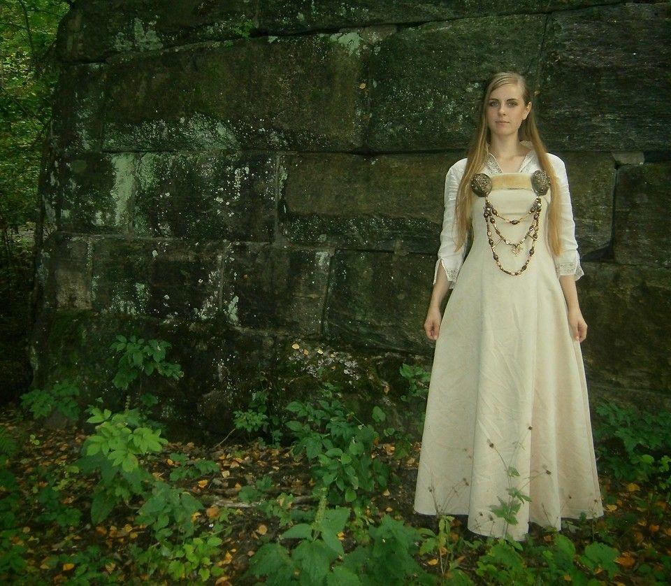 White Viking Wedding Dress Viking wedding dress, Viking
