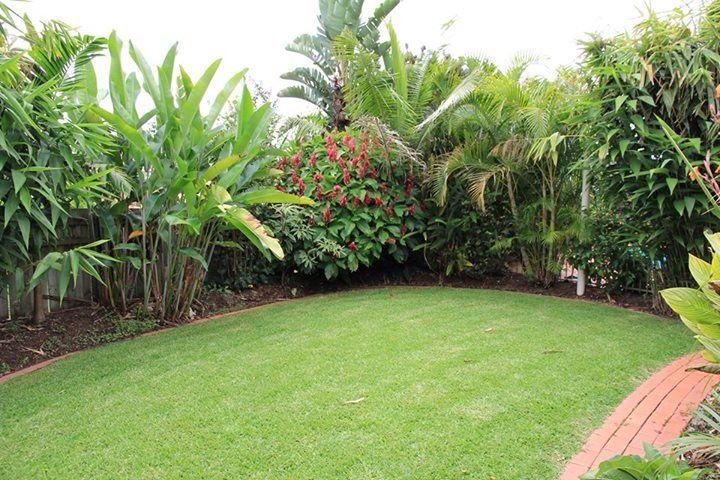 Pin de xoxo07188 xoxo en backyard pinterest jardines for Jardines traseros pequenos