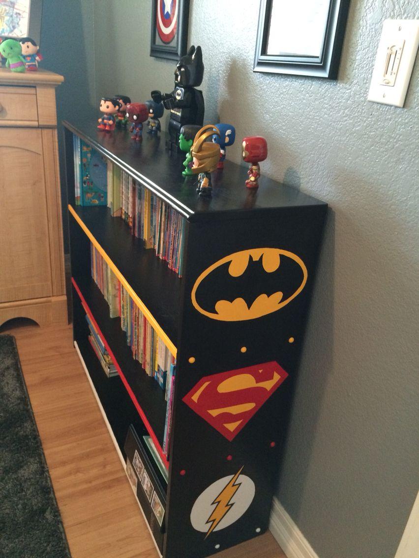 Superhero Bookshelf Decoracao De Casa Ideias De Decoracao Geek