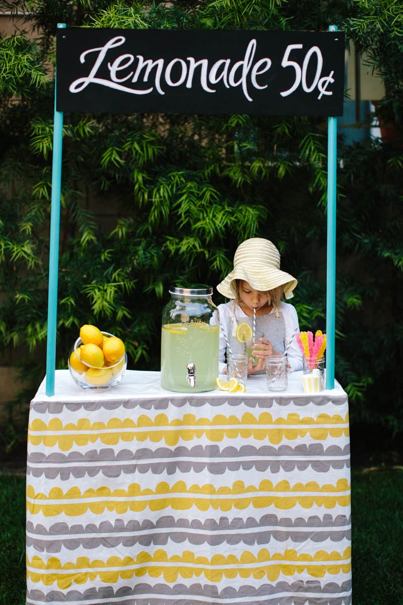 Lemonade Stand Water Play. Perfect outdoor summer activity