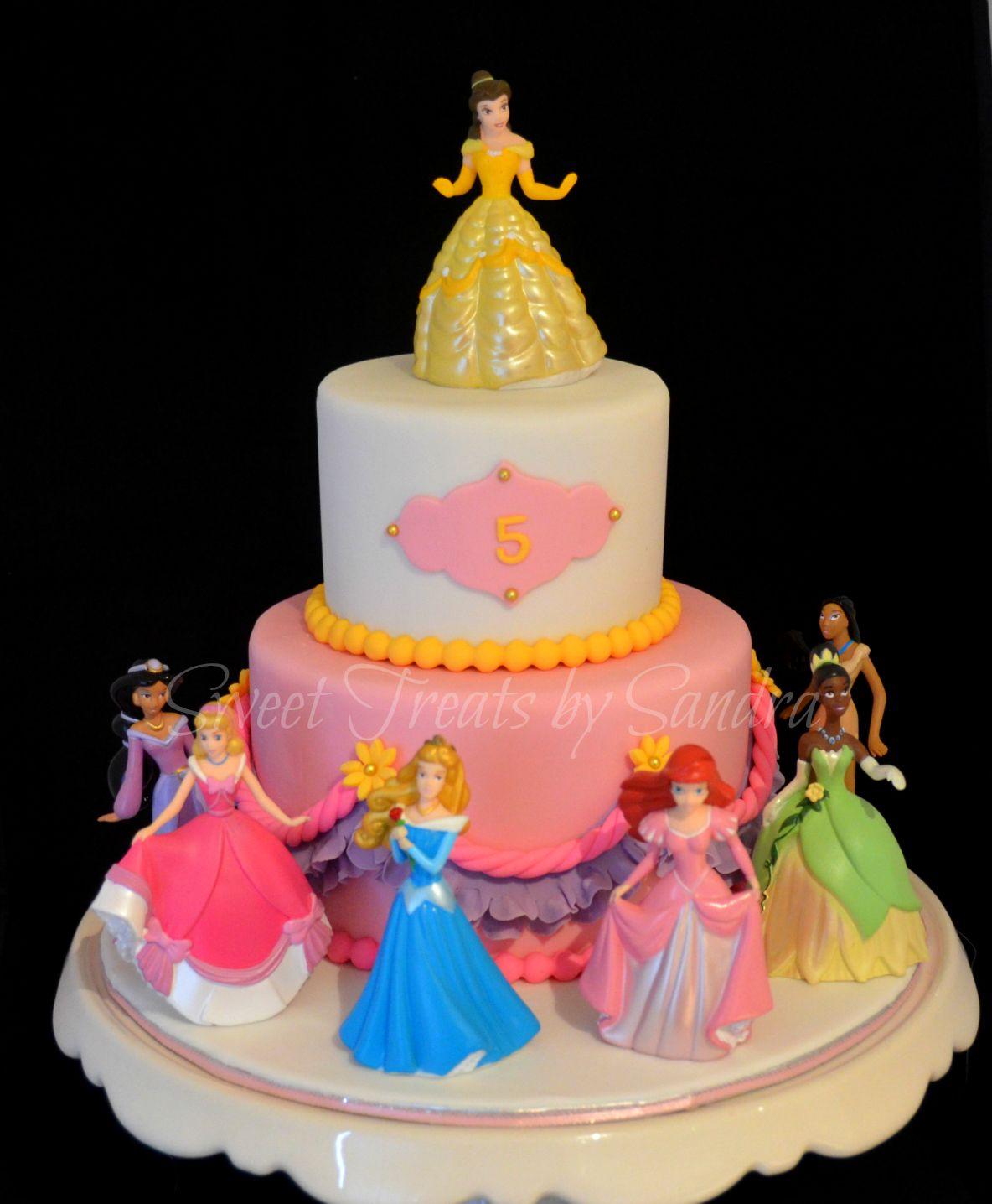 Disney Princess Cake For all your cake decorating supplies please