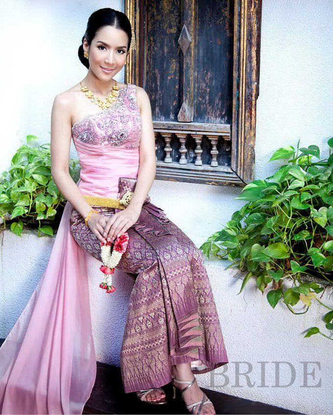 Laotian traditional wedding dress