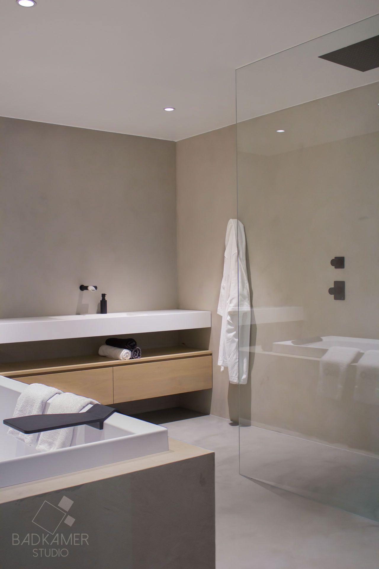 maatwerk badkamer met micro beton beton cirà op de vloer muren