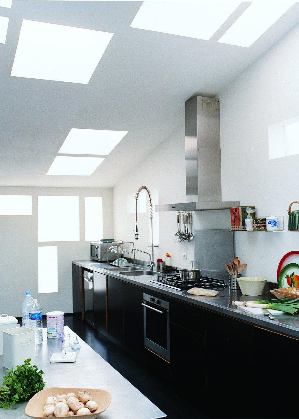 Cuisine mansardée : toutes nos plus belles idées pour bien l'aménager (avec images)   Agencement ...