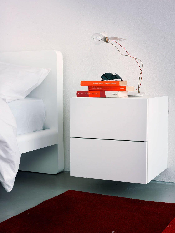 minimalistischer-Nachttisch | Nachttische | Pinterest ...