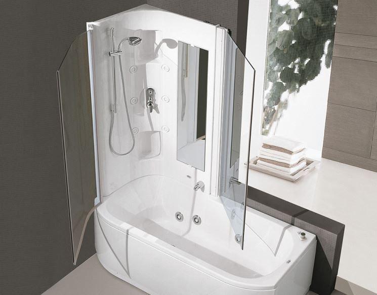 Vasca con doccia integrata bagno