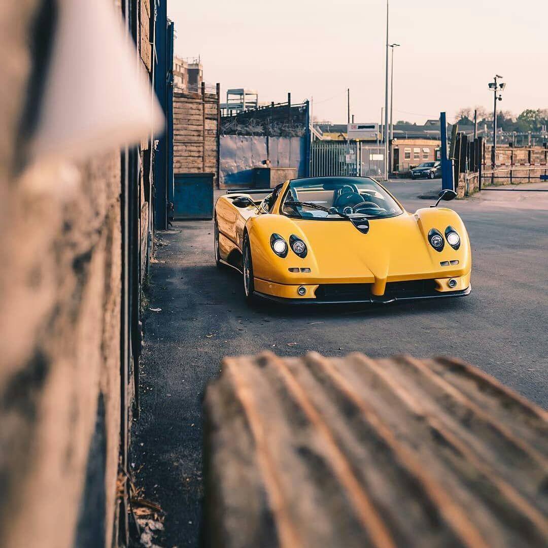 16 Ide Pagani Sport Car Mobil Gambar Mobil Impian