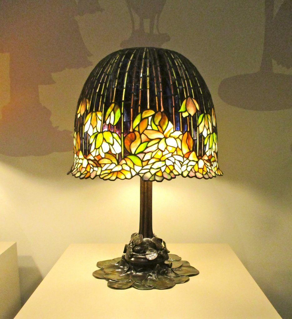 The Neustadt Collection Of Tiffany Glass At The Queens Museum Library Lamp Tiffany Glass Glass