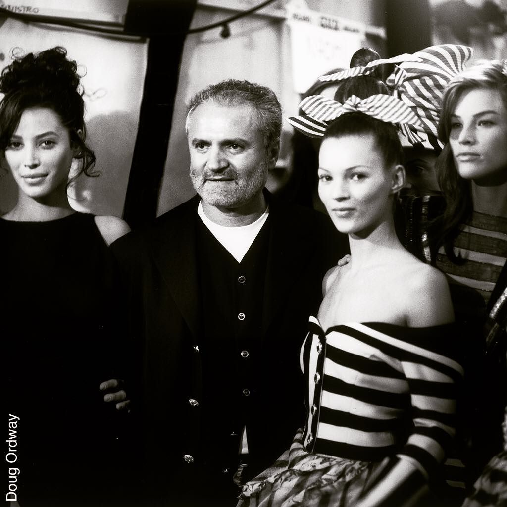 Atelier Backstage: Gianni And The Girls. Backstage At The