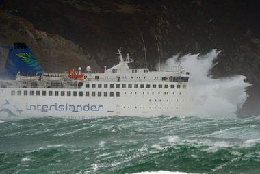 The Interislander Ferry Arahura Encounters Heavy Seas Entering Cook Strait As A Southerly Storm Batters Wellington Photo Stormy Sea Cruise Ship New Zealand