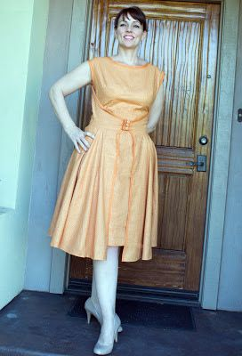 The Sewing Lab: Another Retro Butterick 4790 WalkAway Dress
