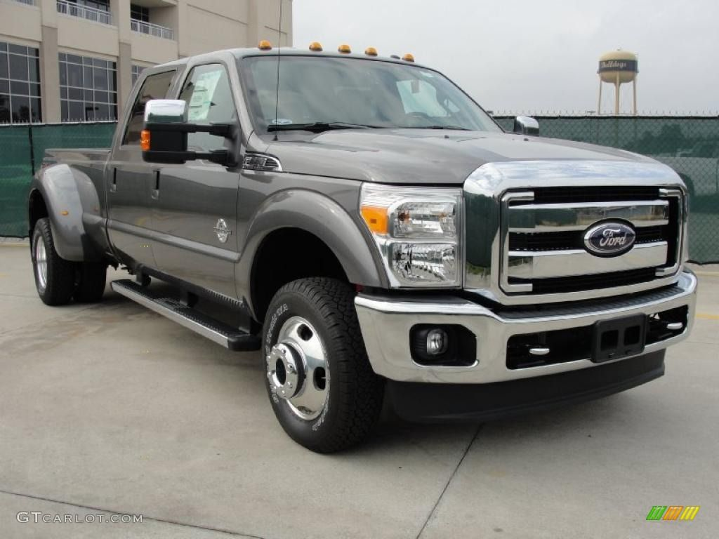 Ford dually oh yeah look at this baby