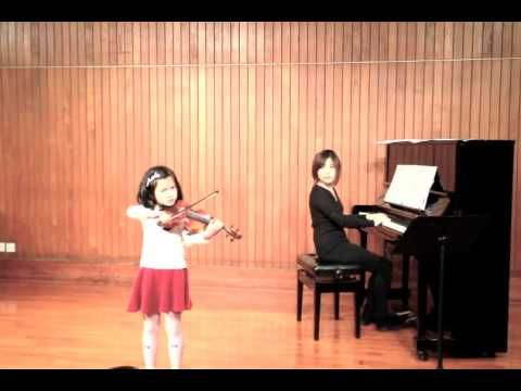 Mendelssohn Violin concerto in D minor, […] with her new 1/2 violin; Students' Recital […] using her new Jay Haide 1/2 Violin made with European Wood. See more of this young violinist #from_mktwong