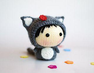 Gray Girl-Cat by Tatyana Korobkova (ravelry)