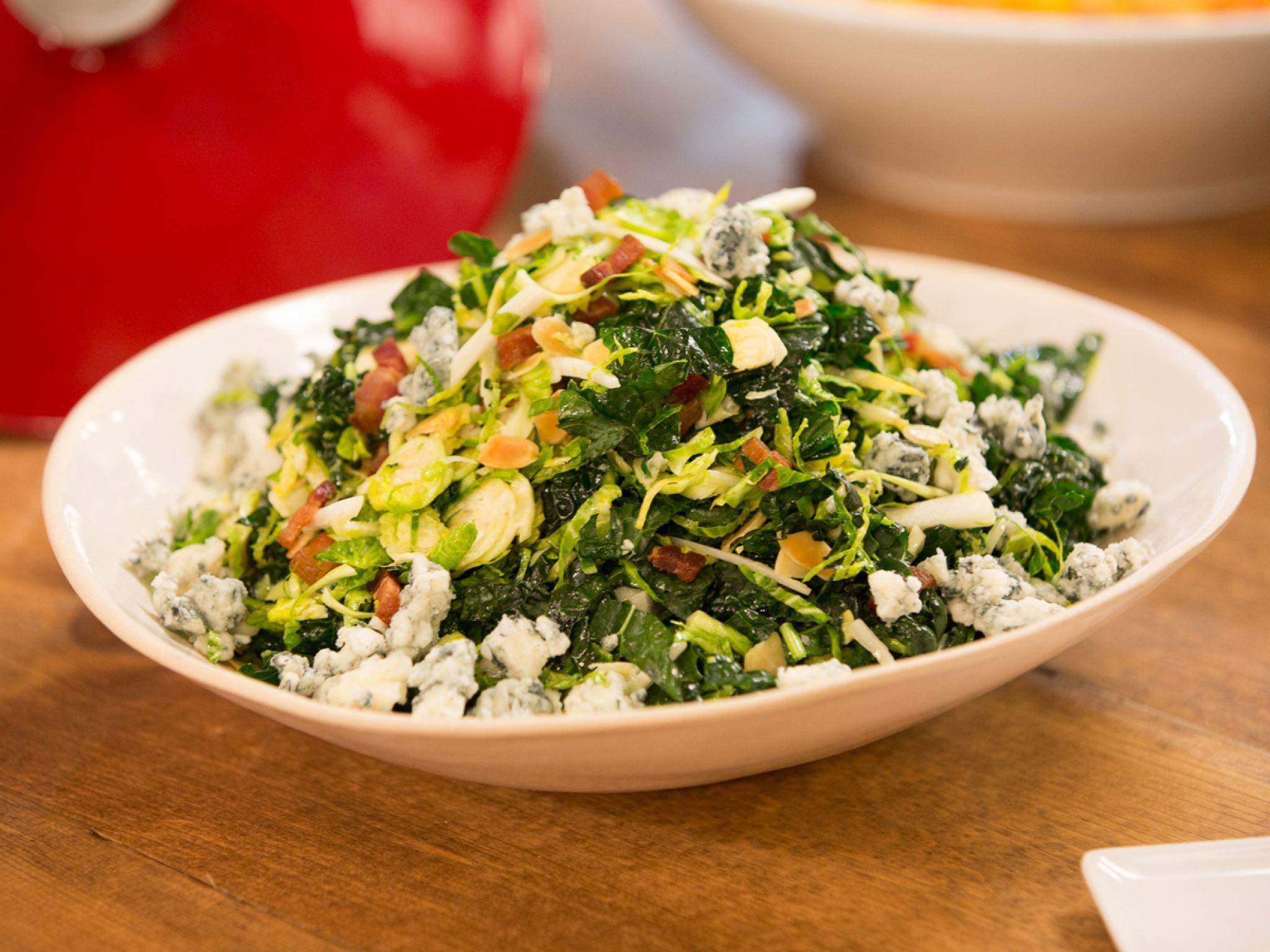 Kale and Gorgonzola Salad   Receta   Ensaladas