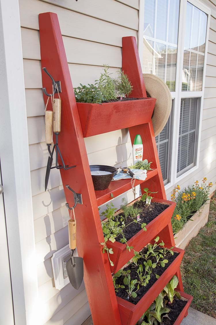 diy planter box ladder diy planter box planters and gardens. Black Bedroom Furniture Sets. Home Design Ideas