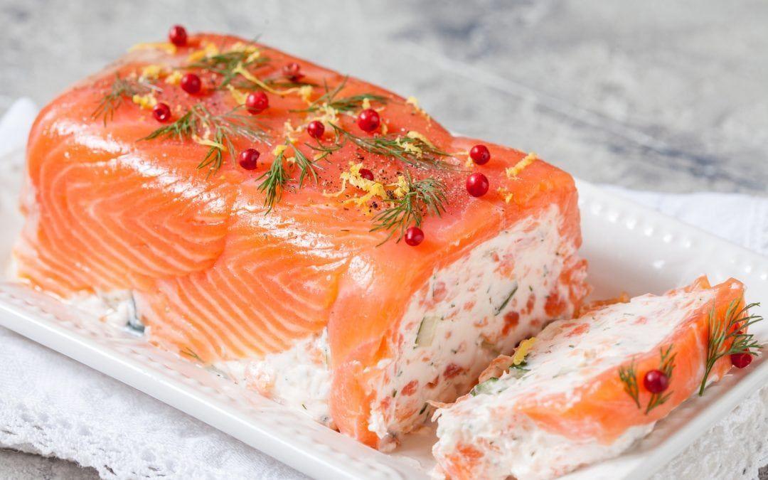 Terrine de saumon fumé au chèvre - Laniel St-Laurent #terrinedepoisson Terrine de saumon fumé au chèvre - Laniel St-Laurent #terrinedesaumon