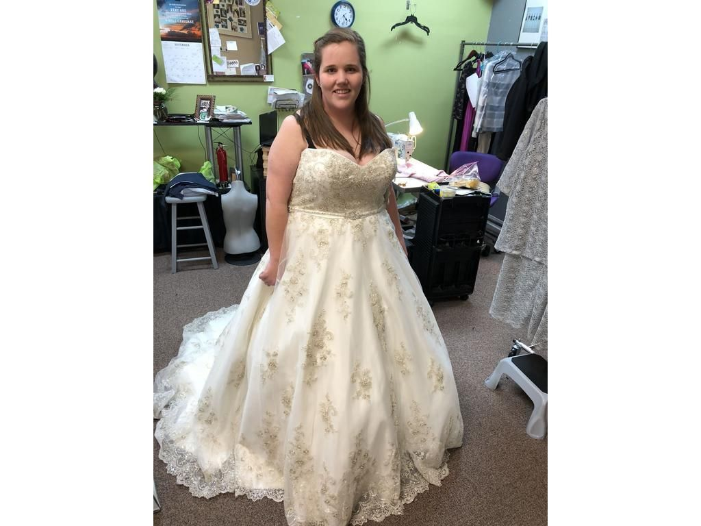 Plus Size Brides Can Have Custom Wedding Gowns And Replicas For Less Custom Wedding Gown Wedding Dresses Strapless Wedding Dresses [ jpg ]