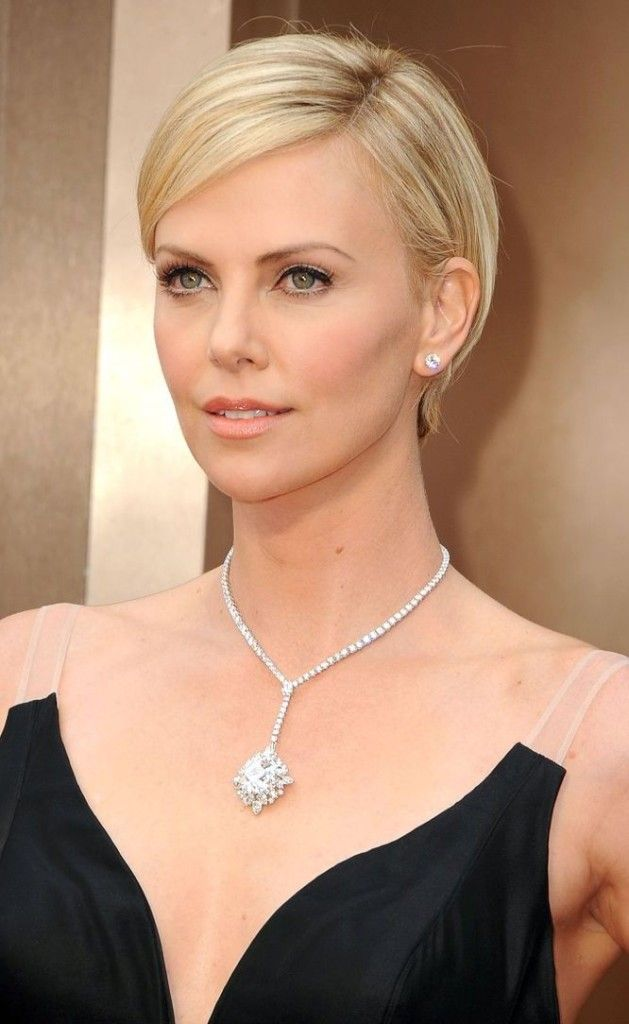 Charlize Theron Short Hair 2017 Oscars