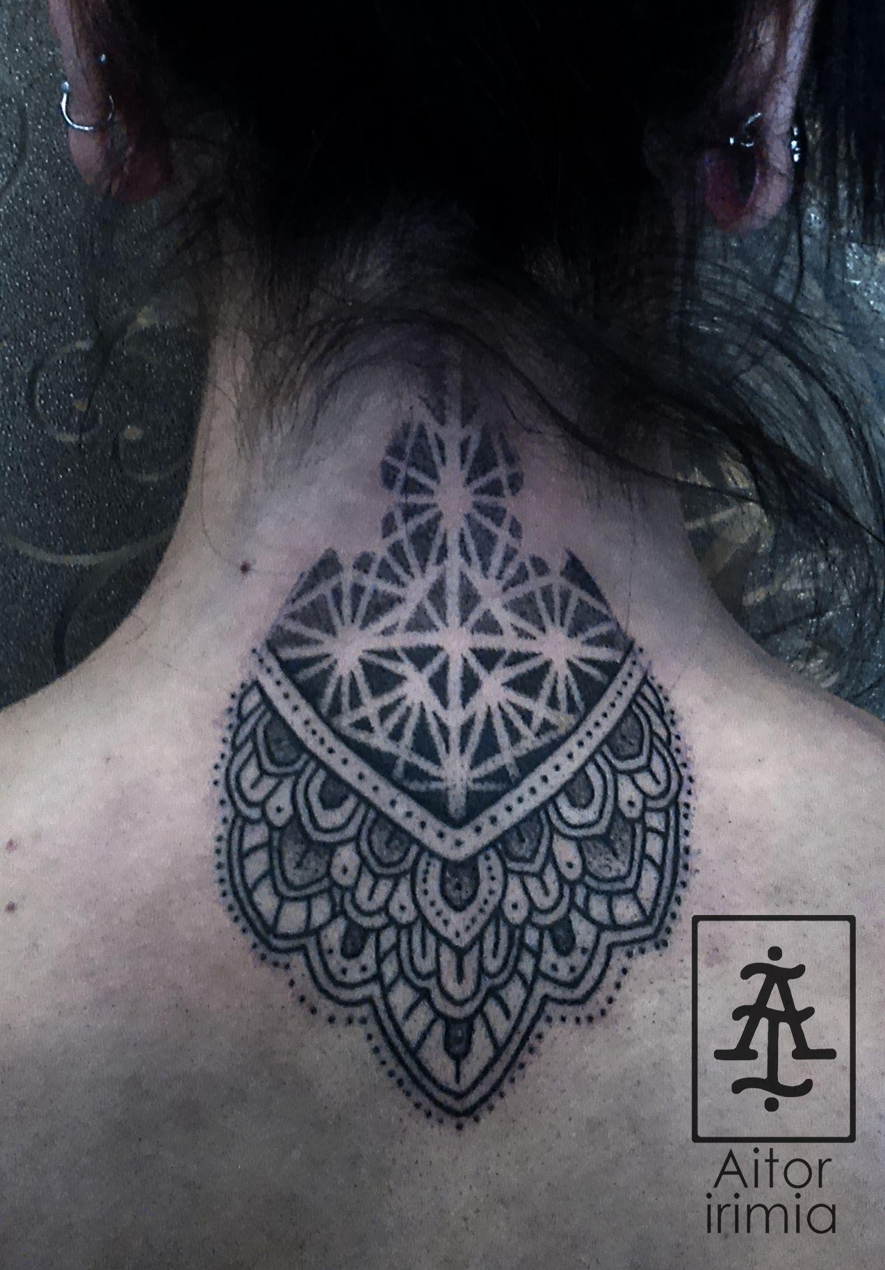 Geometría puntillismo http://instagram.com/aitoririmia http://aitoririmia.com  #tatuajes #puntillismo #dotwork #tattoos #tattoo #mandala #mandalas #Madrid