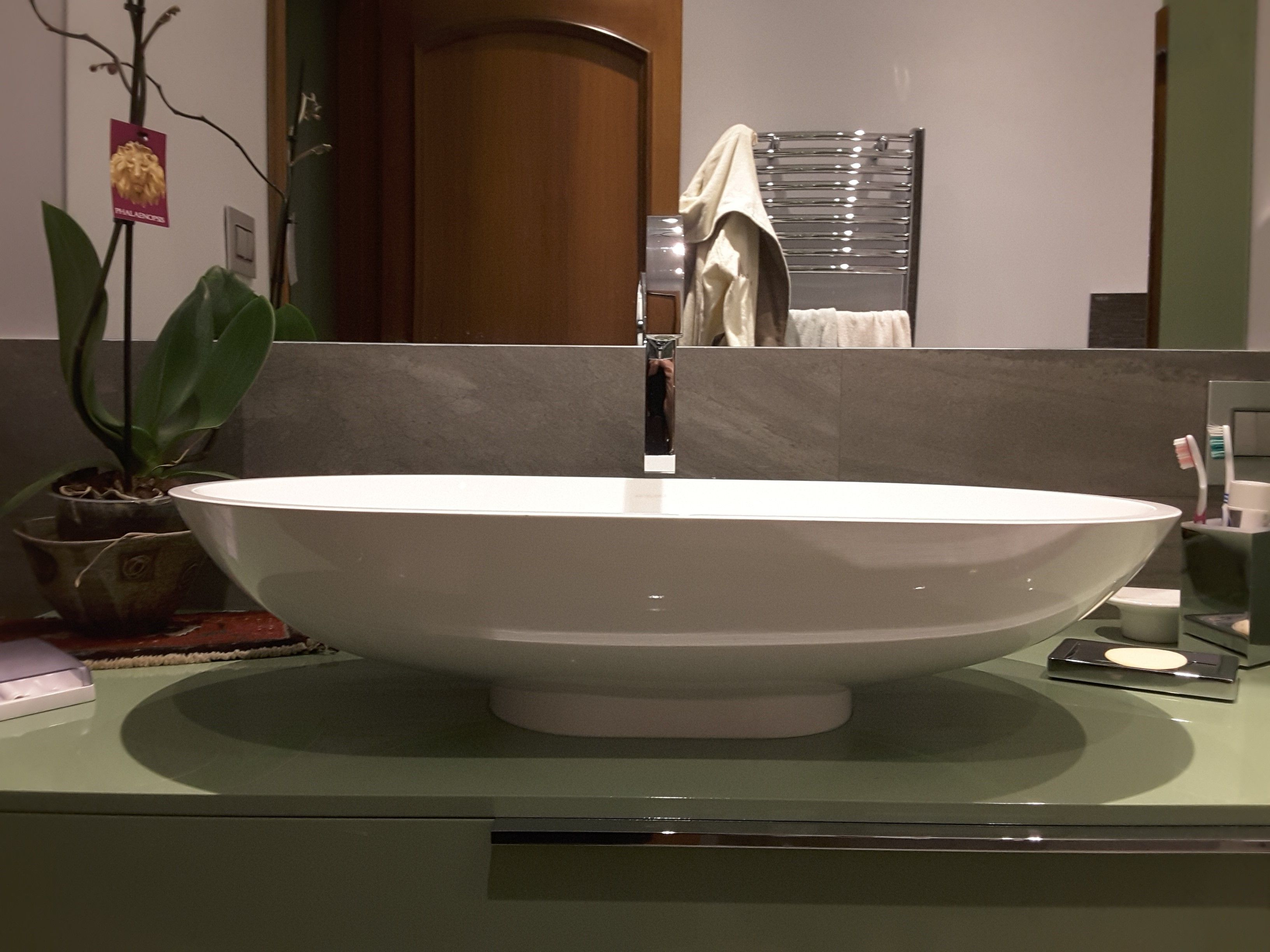 Rinnovare Bagno ~ Oltre fantastiche idee su bagno di famiglia su