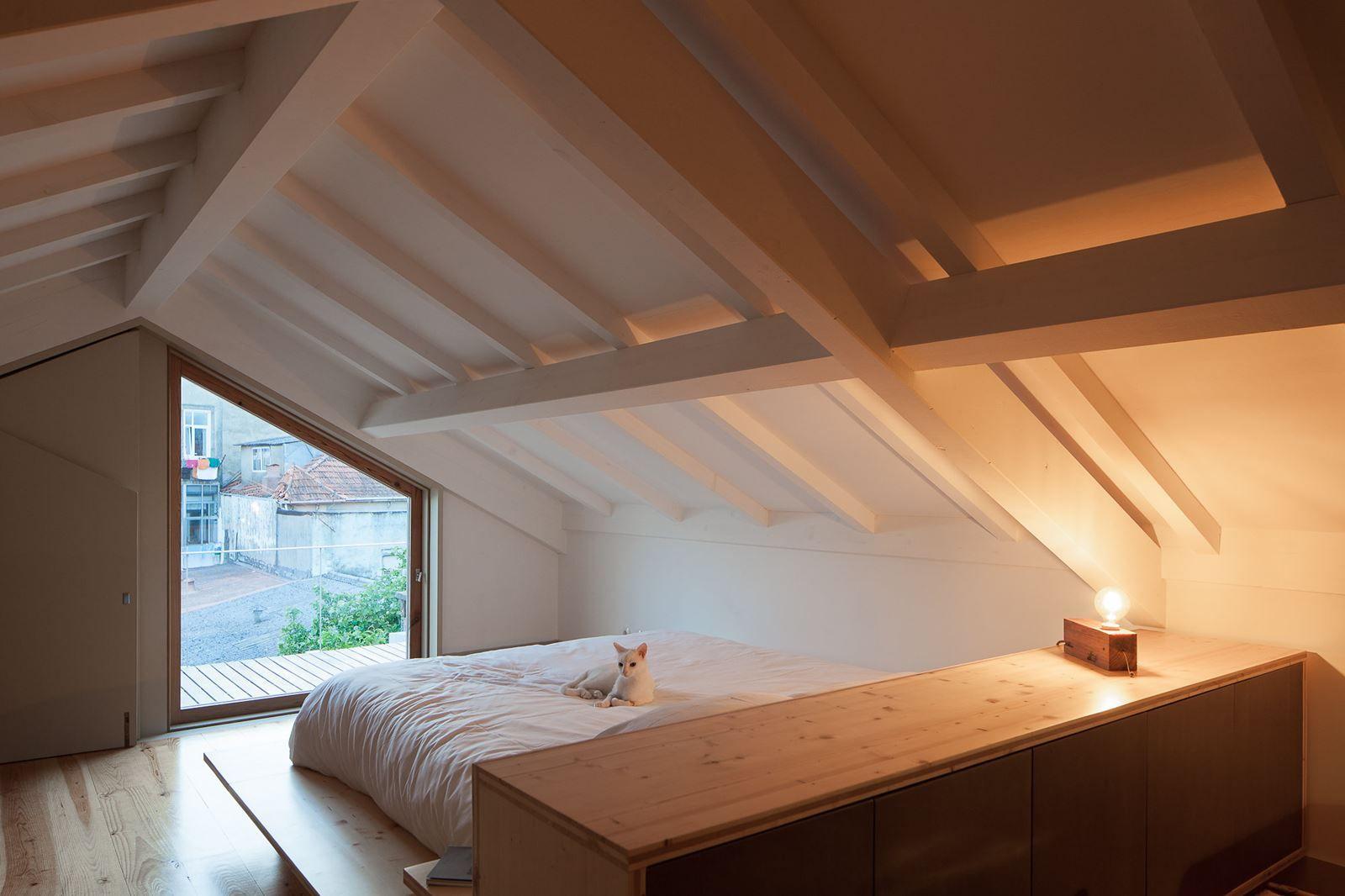 Come ricavare una camera da letto nel sottotetto | Soppalco, Notte e ...