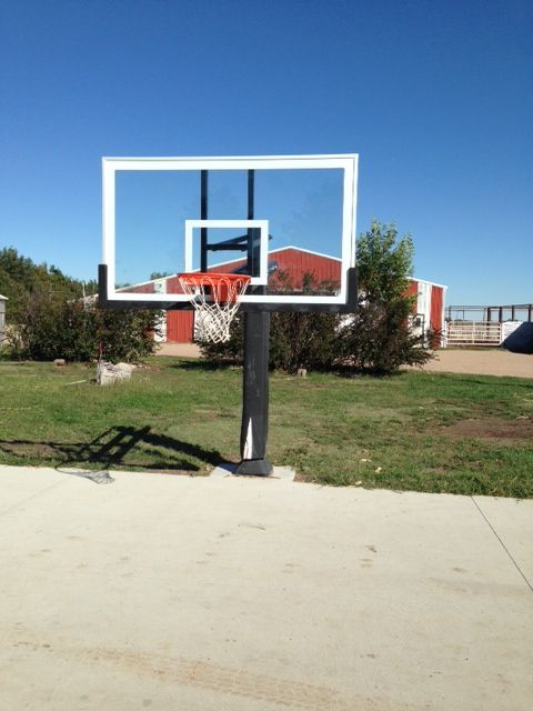 A Front Shot Showing Lowered Pro Dunk Platinum Basketball System Easily Adjule It S Ready For Slamming From All Ages