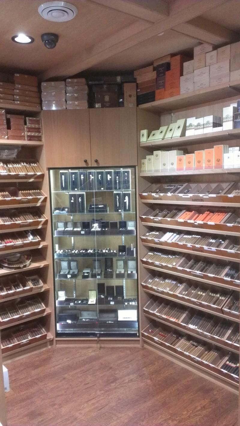 how to build a humidor room