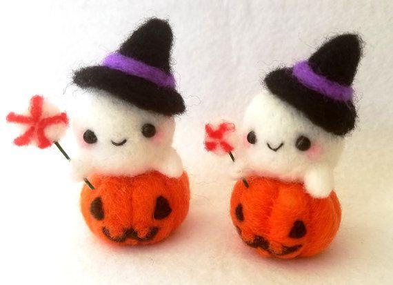 Halloween Ghost Desk Ornament, Kawaii Handmade Needlefelt Ghost - halloween desk decorations