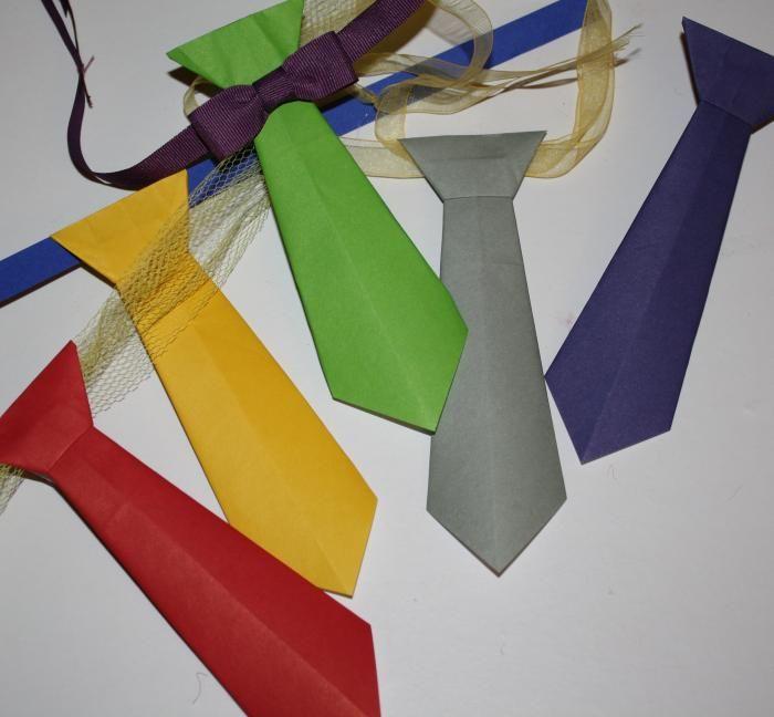 krawatten aus papier falten schmuck pinterest papier papier falten und krawatte. Black Bedroom Furniture Sets. Home Design Ideas