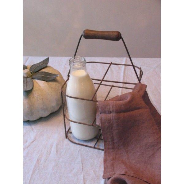 Wire milk carrier